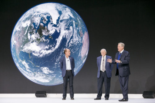 Photo of, from left to right, Marco Lambertini, Director-General, WWF International, Switzerland, Sir David Attenborough, Broadcaster and Naturalist, David Attenborough, United Kingdom; Cultural Leader and Al Gore, Vice-President of the United States (1993-2001); Chairman and Co-Founder, Generation Investment Management, USA speaking at the World Economic Forum