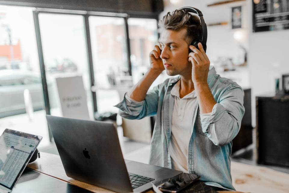 What Is Hosted Pbx And How Can It Help Your Business